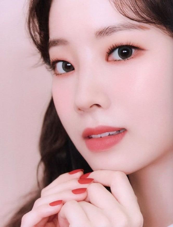 """Vì sao netizen Hàn """"năn nỉ"""" stylist cho TWICE mặc trang phục ở album mới phiên bản Retro? - ảnh 21"""
