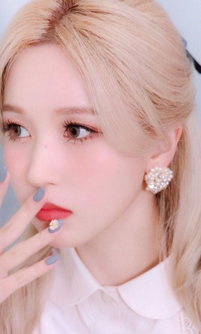"""Vì sao netizen Hàn """"năn nỉ"""" stylist cho TWICE mặc trang phục ở album mới phiên bản Retro? - ảnh 20"""