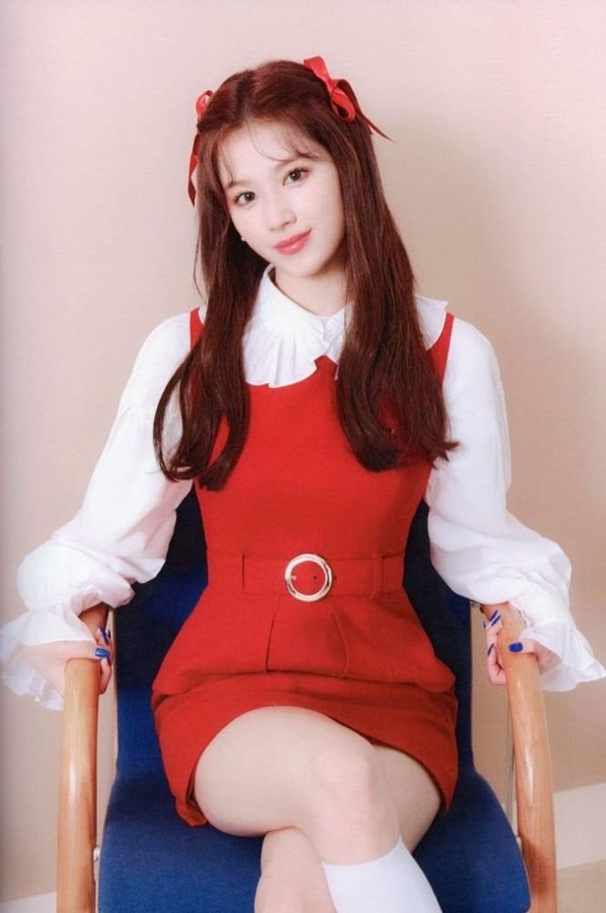 """Vì sao netizen Hàn """"năn nỉ"""" stylist cho TWICE mặc trang phục ở album mới phiên bản Retro? - ảnh 12"""