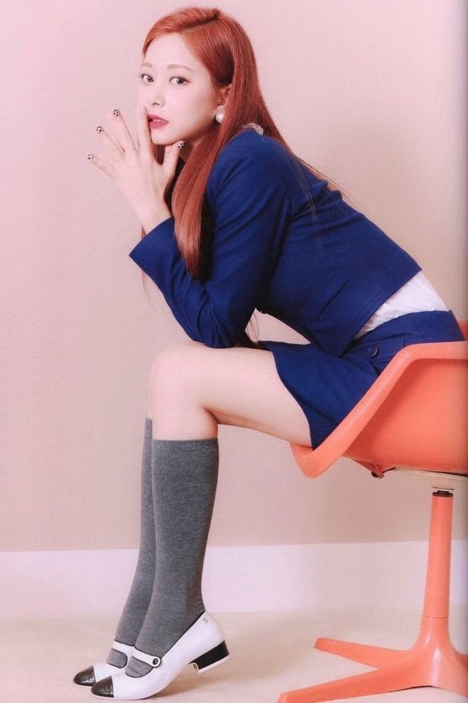 """Vì sao netizen Hàn """"năn nỉ"""" stylist cho TWICE mặc trang phục ở album mới phiên bản Retro? - ảnh 29"""