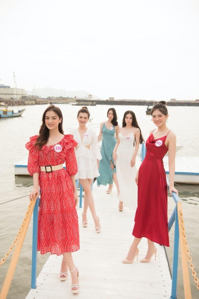 Dàn thí sinh Hoa Hậu Việt Nam 2020 khoe nhan sắc ngọt ngào trước biển trời Vũng Tàu - ảnh 8