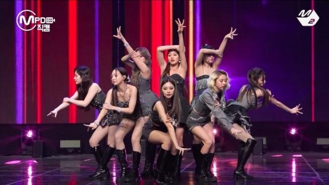 Hát live I Can't Stop Me quá dở, netizen cho rằng đây không phải ca khúc dành cho TWICE - ảnh 1