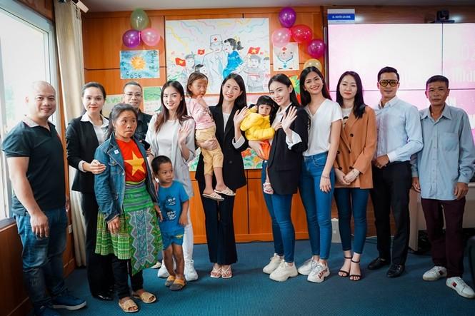 Dự án Nhân ái của Hoa Hậu Việt Nam gây xúc động với câu chuyện từ người phụ nữ bị huỷ dung - ảnh 5