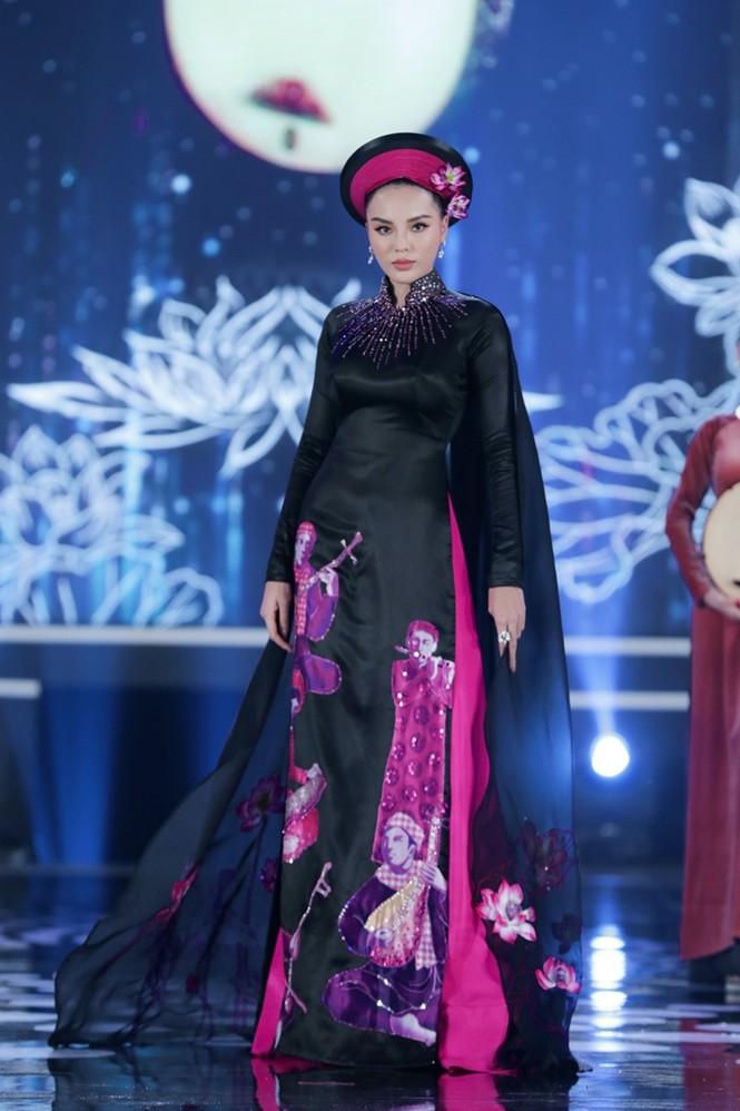 Nhan sắc 5 cựu Hoa hậu xinh đẹp tài năng của Hoa Hậu Việt Nam trong màn trình diễn áo dài - ảnh 4