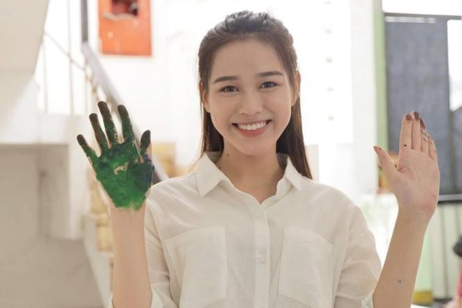 Tân Hoa Hậu Việt Nam Đỗ Thị Hà: Xinh đẹp đáng yêu từ bé, ai cũng phải xuýt xoa - ảnh 1