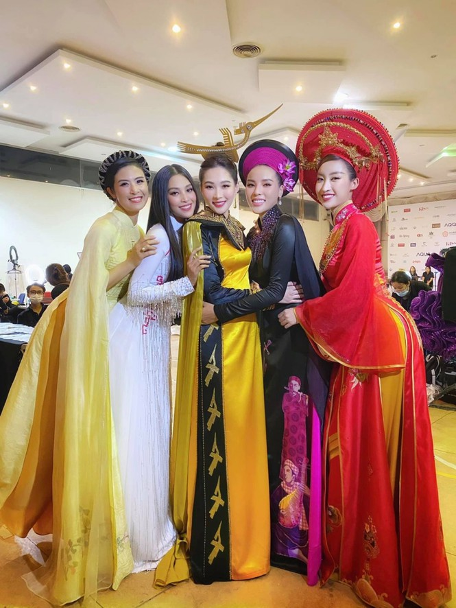 Nhan sắc 5 cựu Hoa hậu xinh đẹp tài năng của Hoa Hậu Việt Nam trong màn trình diễn áo dài - ảnh 9