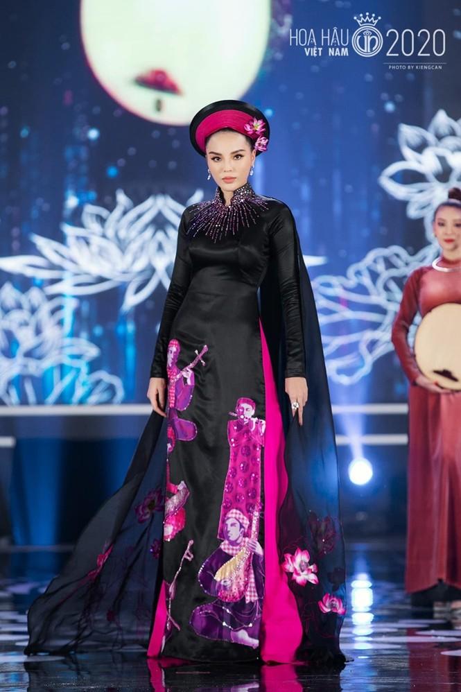 Nhan sắc đẳng cấp của 5 cựu hoa hậu từ thảm đỏ tới hậu trường đêm CK Hoa Hậu Việt Nam 2020 - ảnh 14