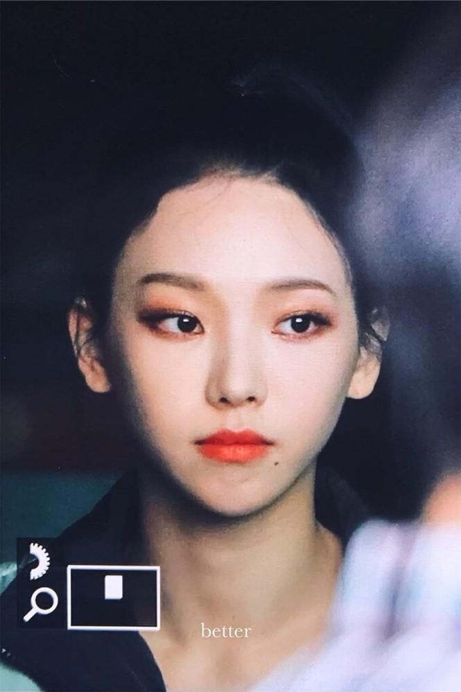 Netizen Hàn phát hiện tỉ lệ khuôn mặt Karina (aespa) giống Chaeyoung (TWICE) đến giật mình - ảnh 5