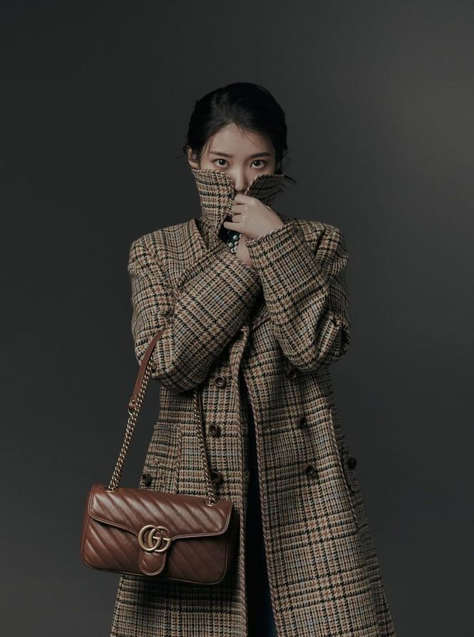 """IU diện trang phục lịch lãm như một """"quý ông"""" trên ấn phẩm GQ Man Of The Year - ảnh 3"""