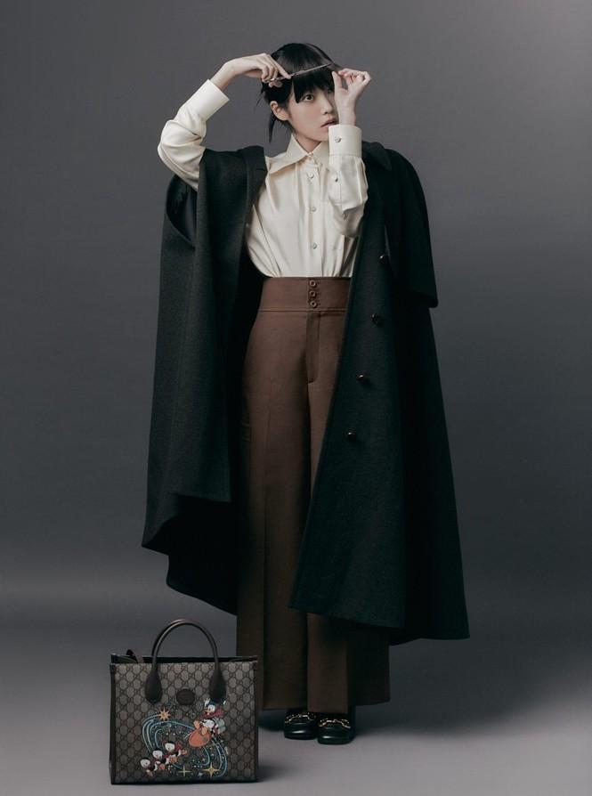 """IU diện trang phục lịch lãm như một """"quý ông"""" trên ấn phẩm GQ Man Of The Year - ảnh 6"""