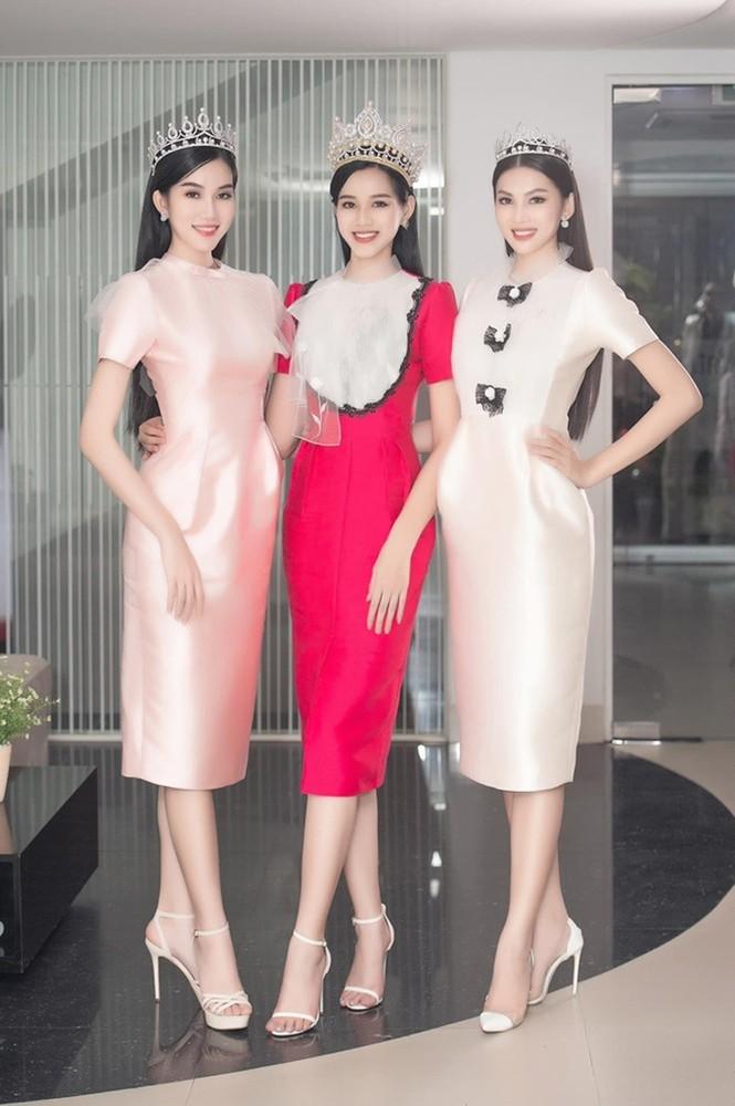 Soi trang phục Top 3 Hoa Hậu Việt Nam 2020 sau đăng quang, không tìm được điểm nào để chê - ảnh 3