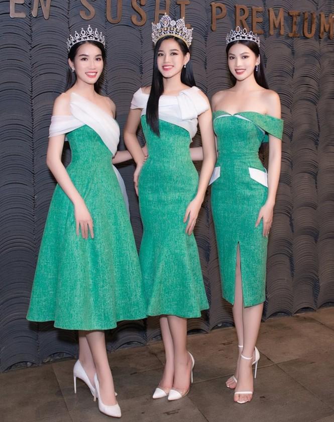 Soi trang phục Top 3 Hoa Hậu Việt Nam 2020 sau đăng quang, không tìm được điểm nào để chê - ảnh 5