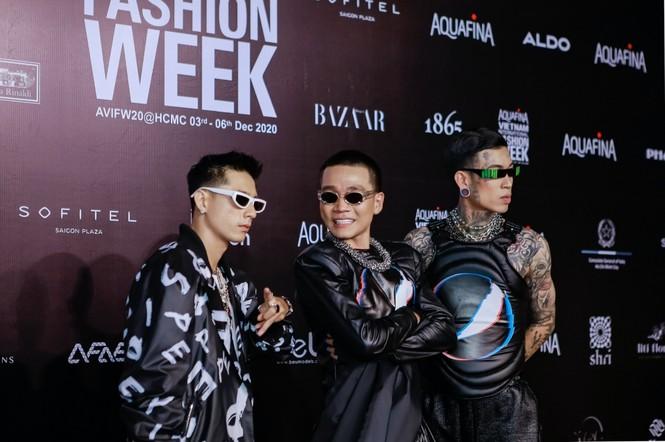 """VIFW ngày 2: Wowy, Suboi và Karik """"tung hoành"""" thảm đỏ với gout thời trang cực chất - ảnh 7"""