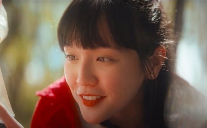 Nhan sắc đậm nét cổ điển của cô gái Sơn Tùng yêu say đắm trong MV Chúng Ta Của Hiện Tại - ảnh 1