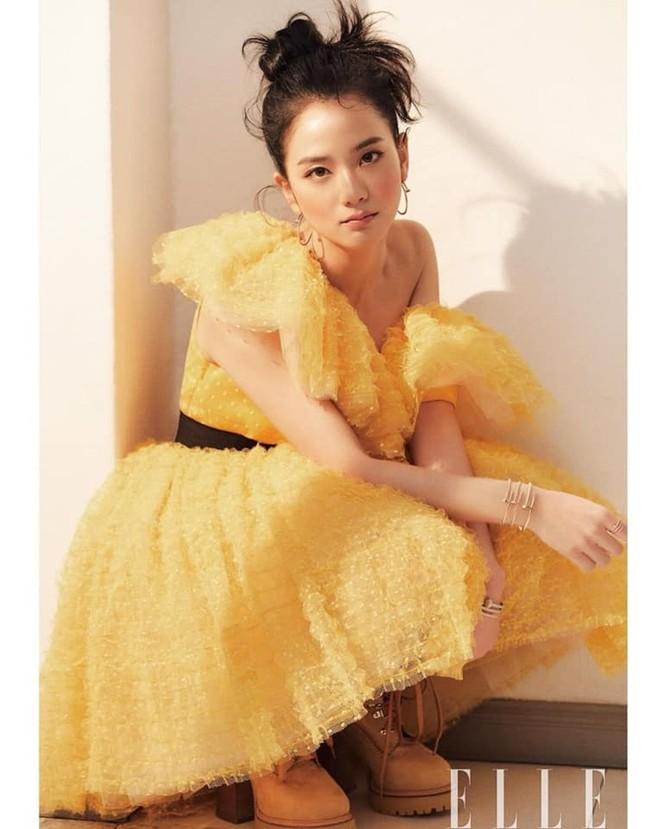 """Mặc chiếc váy da bóng khó nhằn, Jisoo (BLACKPINK) """"chặt đẹp"""" mẫu xịn của hãng - ảnh 7"""