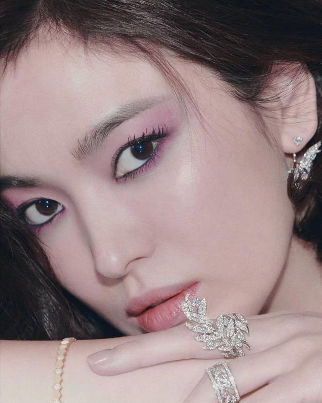 Song Hye Kyo nhận kịch bản mới, biên kịch quen thuộc nhưng nam chính mới gây tò mò - ảnh 2