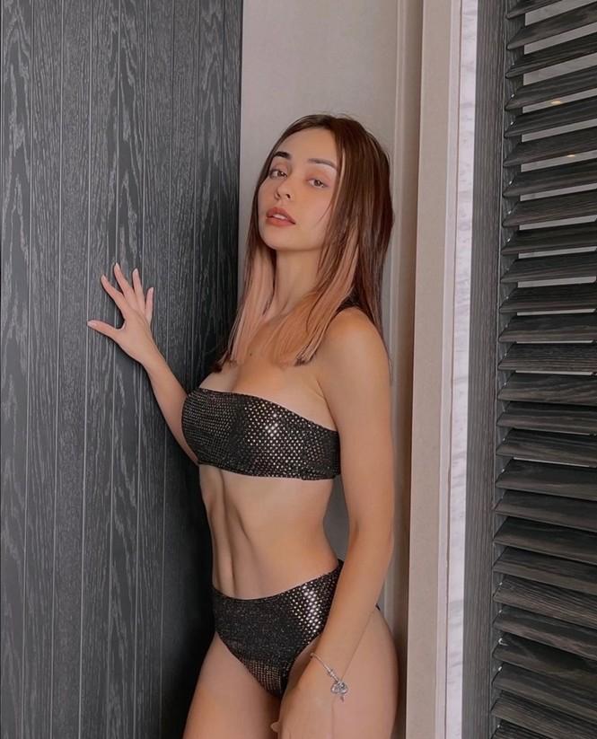Mỹ nhân showbiz Việt đồng loạt diện bikini khoe dáng gây sốt MXH tuần đầu năm mới - ảnh 4