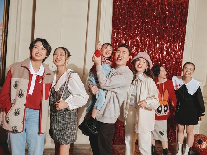 Những gương mặt nổi bật & truyền cảm hứng cho giới trẻ Việt xuất hiện trong BST thời trang - ảnh 1
