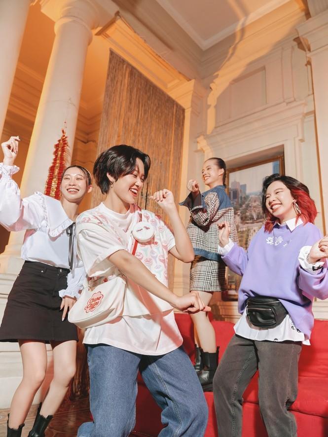 Những gương mặt nổi bật & truyền cảm hứng cho giới trẻ Việt xuất hiện trong BST thời trang - ảnh 4