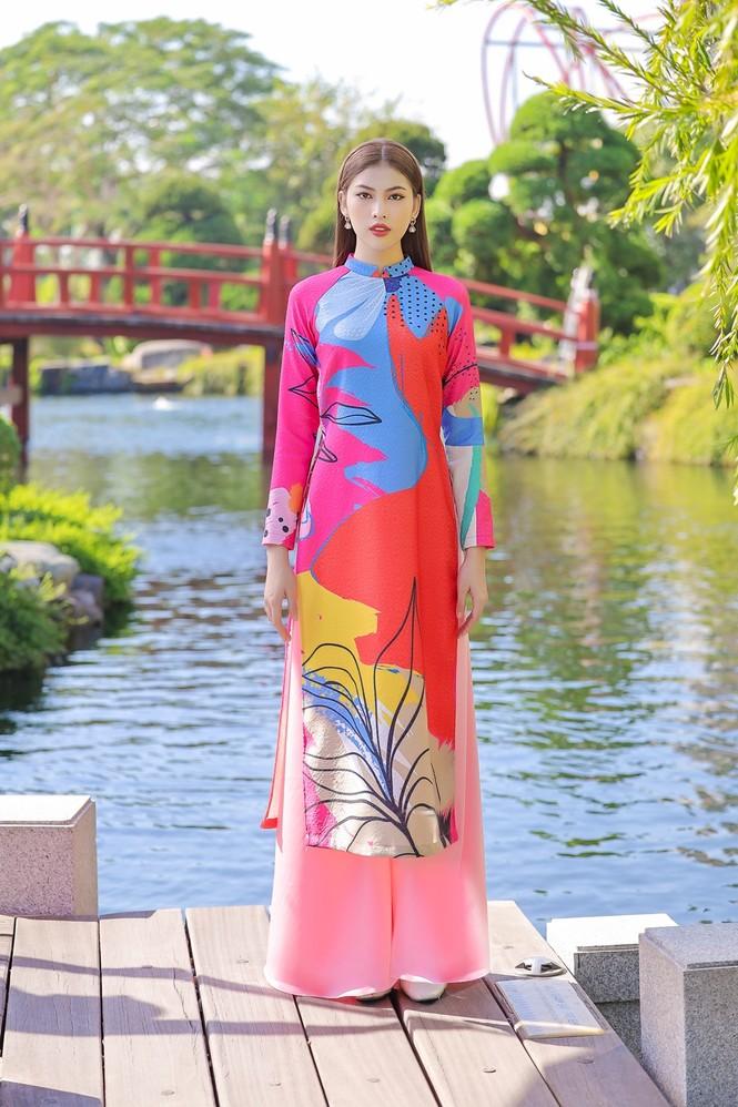 Á hậu Phương Anh, Ngọc Thảo khoe sắc vóc rạng rỡ trong BST áo dài đón Tết Tân Sửu 2021 - ảnh 4