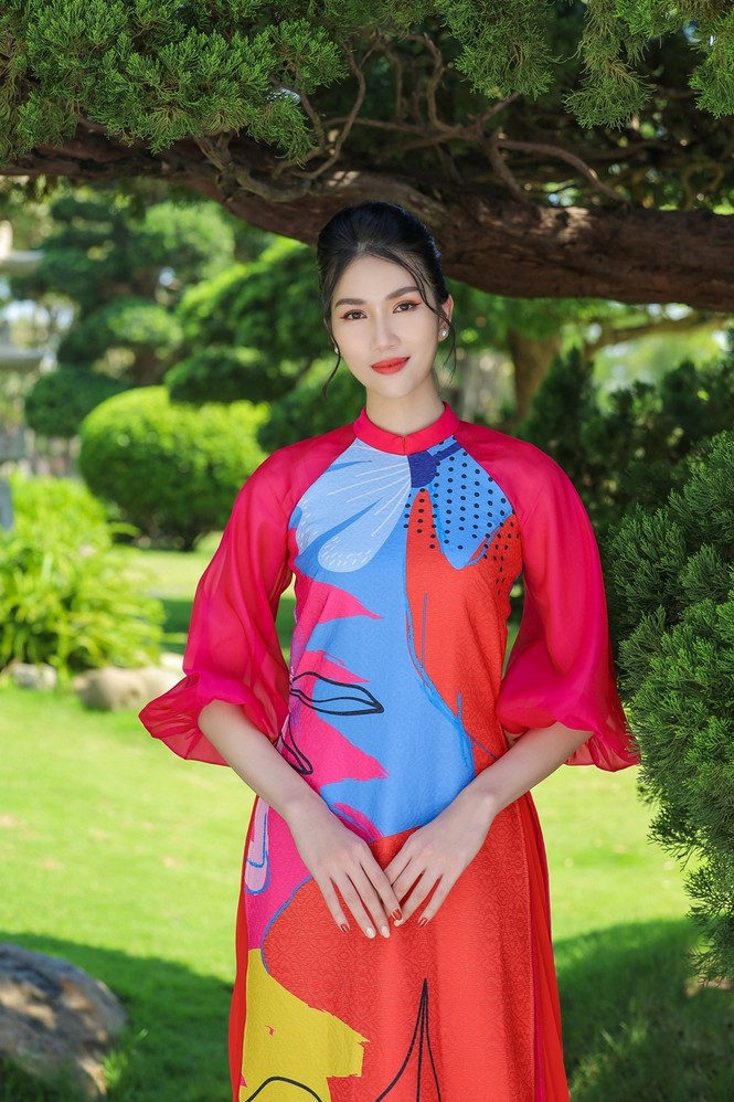 Á hậu Phương Anh, Ngọc Thảo khoe sắc vóc rạng rỡ trong BST áo dài đón Tết Tân Sửu 2021 - ảnh 9