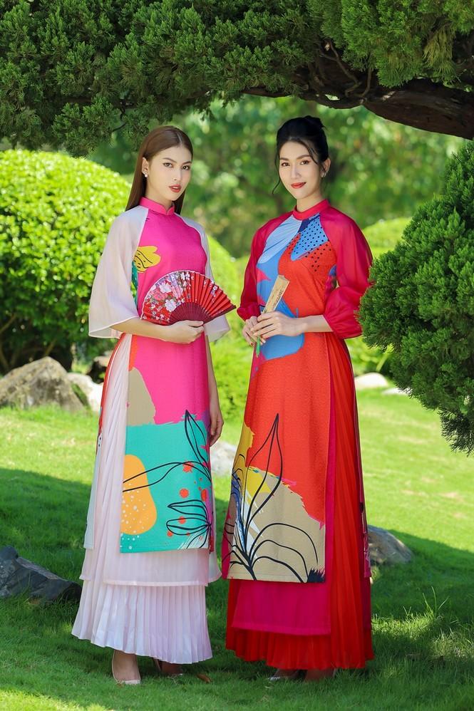 Á hậu Phương Anh, Ngọc Thảo khoe sắc vóc rạng rỡ trong BST áo dài đón Tết Tân Sửu 2021 - ảnh 2