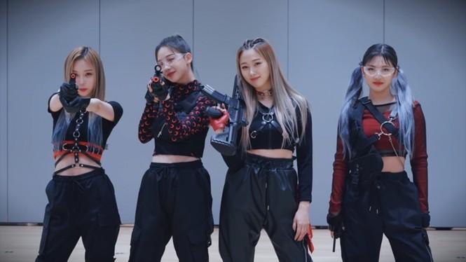 Netizen Hàn cho rằng aespa còn phải học hỏi BLACKPINK nhiều về cách diện đồ Techwear - ảnh 1