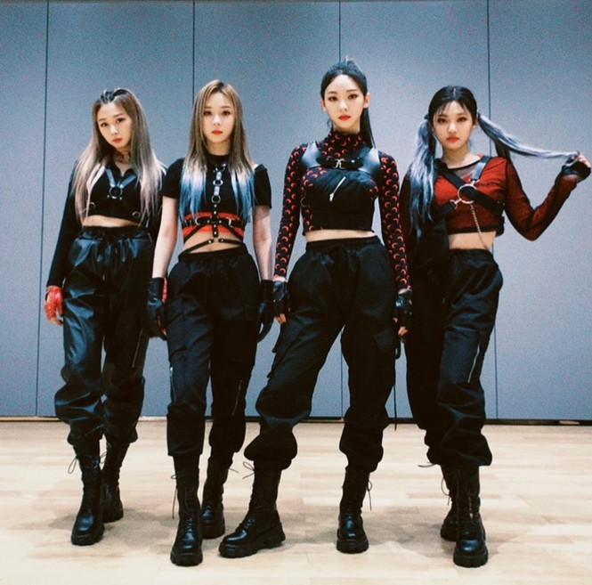 Netizen Hàn cho rằng aespa còn phải học hỏi BLACKPINK nhiều về cách diện đồ Techwear - ảnh 2