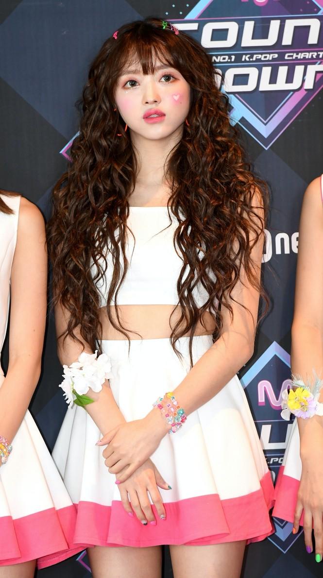 Hoá ra idol hợp với tóc xoăn dài nhất K-Pop không phải là Jisoo (BLACKPINK) hay Irene (Red Velvet) - ảnh 4