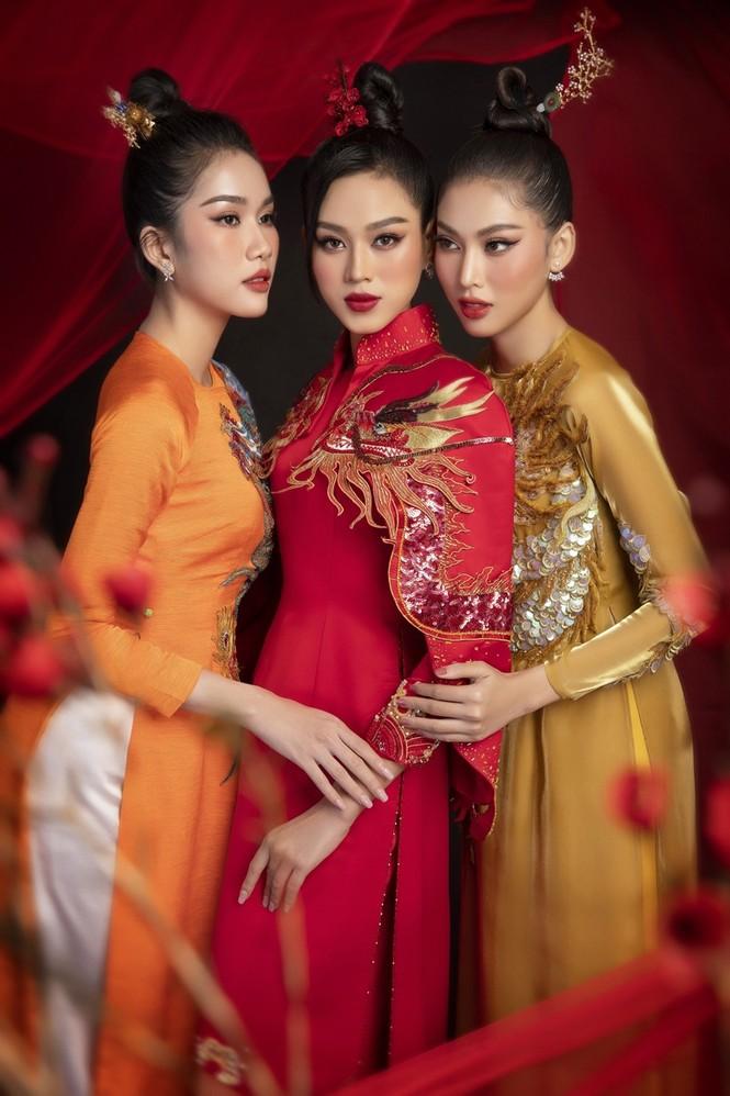 Ngắm Top 3 Hoa Hậu Việt Nam 2020 đẹp sắc sảo, ấn tượng trong những tà áo dài đón Tết - ảnh 2
