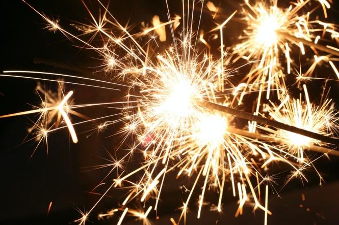 Đêm Giao thừa: Toàn vũ trụ sẽ lắng nghe lời nguyện cầu của bạn cho một năm mới đầy may mắn - ảnh 1