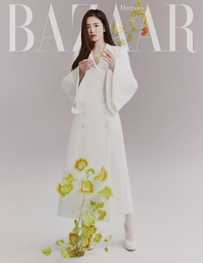 """Song Hye Kyo chính thức trở thành đại sứ thương hiệu của FENDI, khoe bộ ảnh đẹp như """"thiếu nữ mùa Xuân"""" - ảnh 2"""