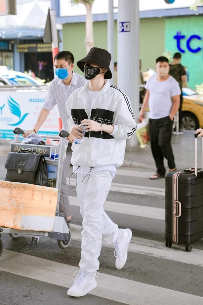 Nam thần tuổi Sửu: Trong vòng một năm Jack lên đời phong cách thời trang như idol Hàn - ảnh 7