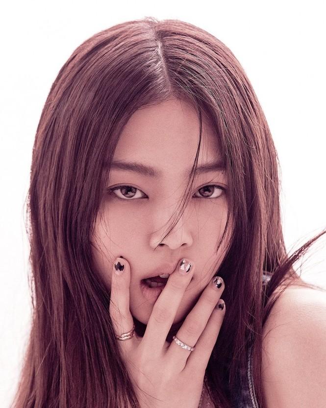 Jennie (BLACKPINK) debut làm biên tập viên thời trang của VOGUE Hàn, tự sản xuất bộ ảnh cho chính mình? - ảnh 7