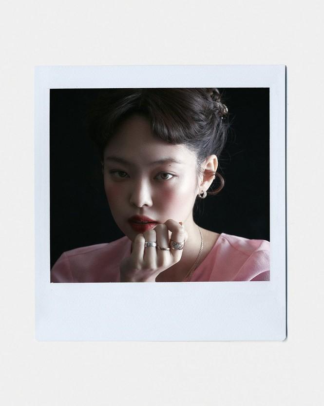 Jennie (BLACKPINK) debut làm biên tập viên thời trang của VOGUE Hàn, tự sản xuất bộ ảnh cho chính mình? - ảnh 5