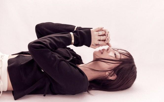 Jennie (BLACKPINK) debut làm biên tập viên thời trang của VOGUE Hàn, tự sản xuất bộ ảnh cho chính mình? - ảnh 9
