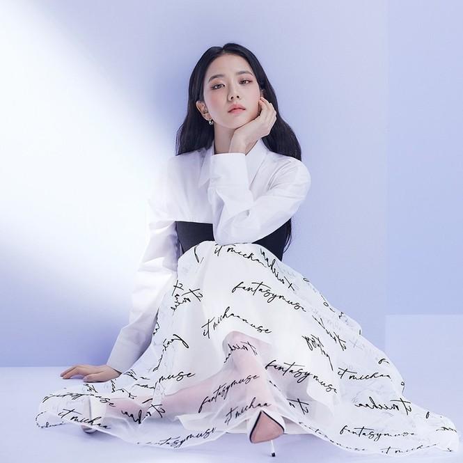 Jisoo (BLACKPINK) thay thế Seohyun (SNSD), trở thành nàng thơ mới của thương hiệu thời trang - ảnh 3