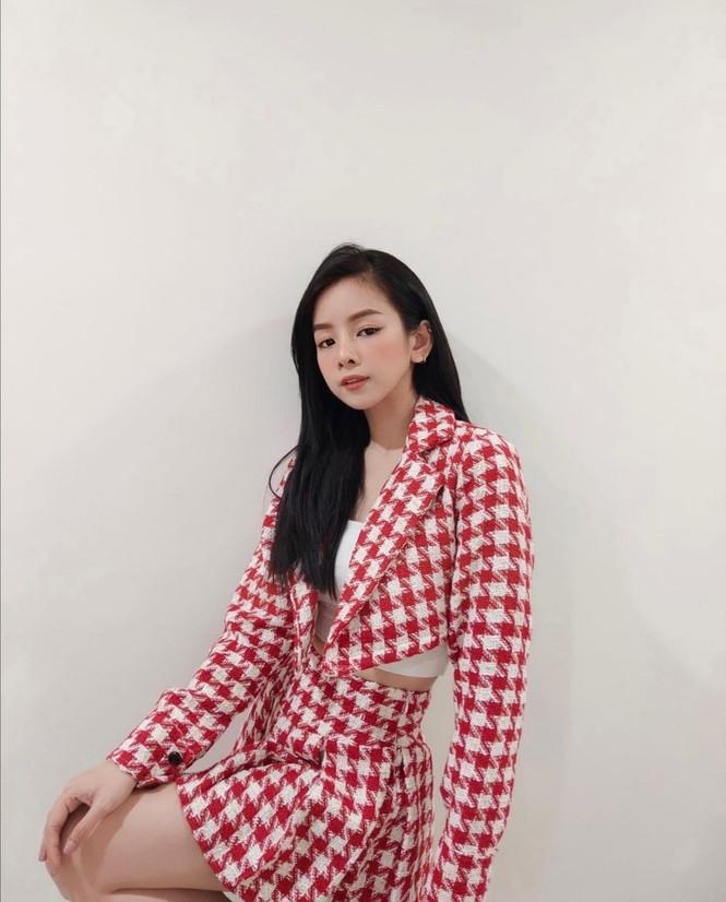 Thiều Bảo Trâm, Doãn Hải My, Hoa hậu H'Hen Niê cùng dàn sao Việt diện tông màu đỏ rực trong tuần đầu tiên của năm mới  - ảnh 9