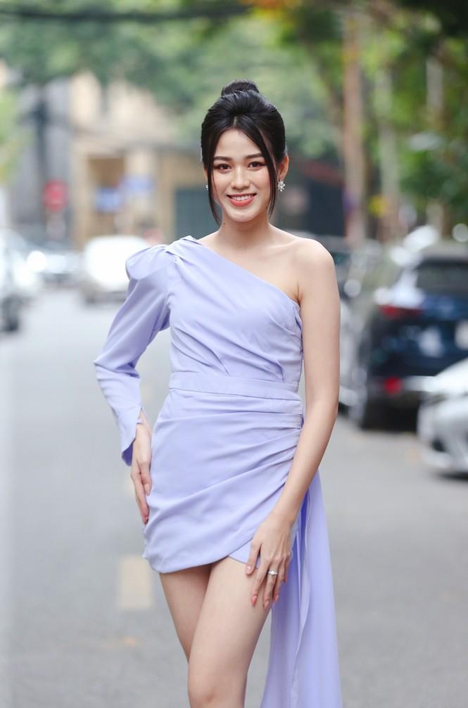 Hình ảnh mới nhất của Hoa hậu Đỗ Thị Hà, có tăng cân nhẹ nhưng vóc dáng vẫn siêu đỉnh - ảnh 4