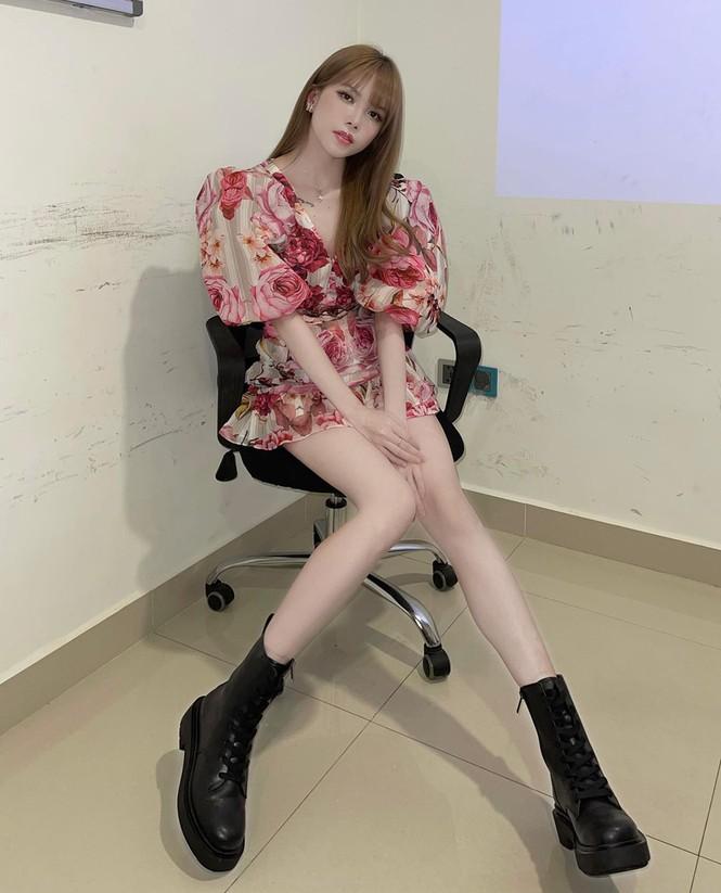 Thiều Bảo Trâm, Doãn Hải My, Hoa hậu H'Hen Niê cùng dàn sao Việt diện tông màu đỏ rực trong tuần đầu tiên của năm mới  - ảnh 4
