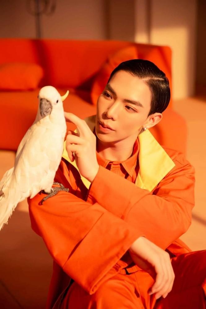 Mỹ nam tuổi Sửu: Ngắm gu thời trang phi giới tính ấn tượng của Erik - ảnh 11