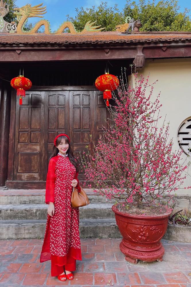 Muôn hình vạn trạng trang phục đi lễ chùa của sao Việt - ảnh 5