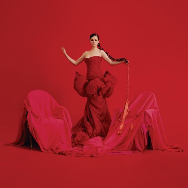 """Selena Gomez kể chuyện về tình yêu tuổi trẻ của thiếu nữ người Mexico trong """"Revelacíon"""" - ảnh 1"""