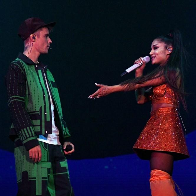 Sao US&UK 24H: Ariana Grande – Justin Bieber chính thức trở lại đường đua âm nhạc - ảnh 1