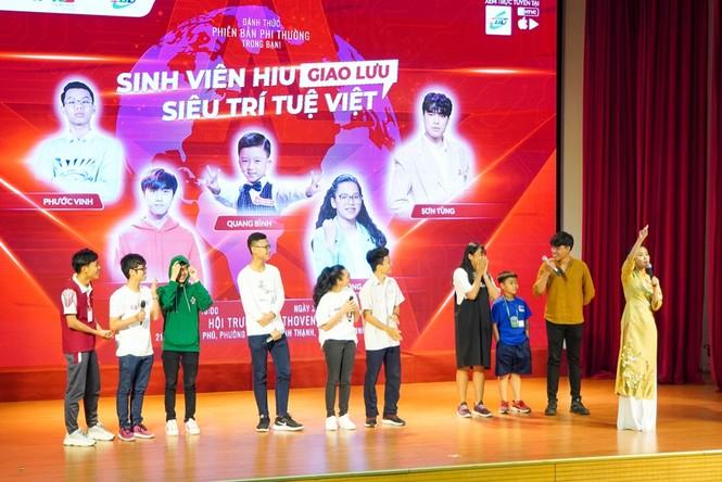 """Buổi họp mặt của """"con nhà người ta"""": Các siêu trí tuệ Việt chia sẻ cuộc sống hậu nổi tiếng - ảnh 1"""