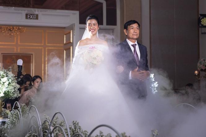Đám cưới Á hậu Thúy Vân: Những khoảnh khắc đẹp của đôi trai tài gái sắc - ảnh 10