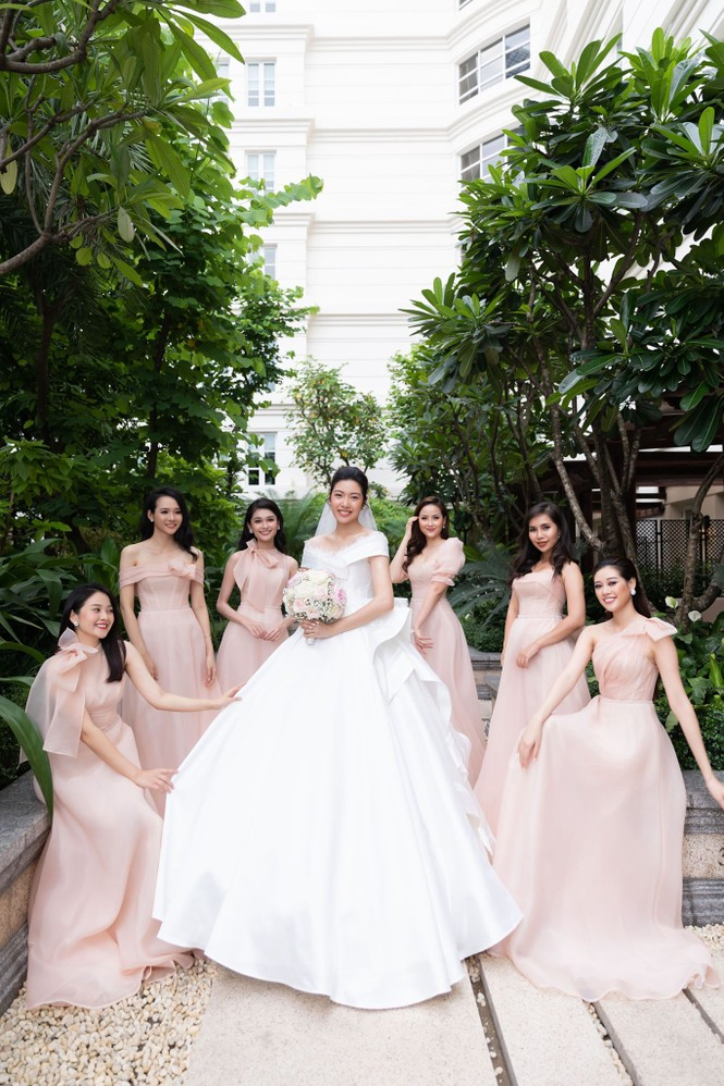 Đám cưới Á hậu Thúy Vân: Những khoảnh khắc đẹp của đôi trai tài gái sắc - ảnh 8