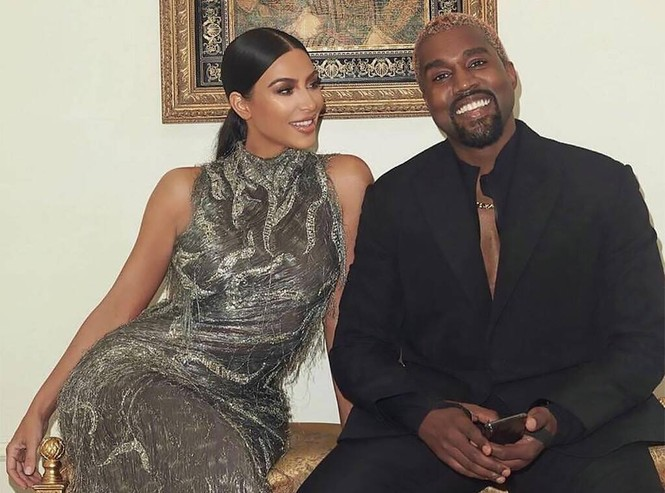 Kim Kardashian đệ đơn ly hôn Kanye West nhưng Taylor Swift, Drake lại là người hạnh phúc nhất lúc này - ảnh 1