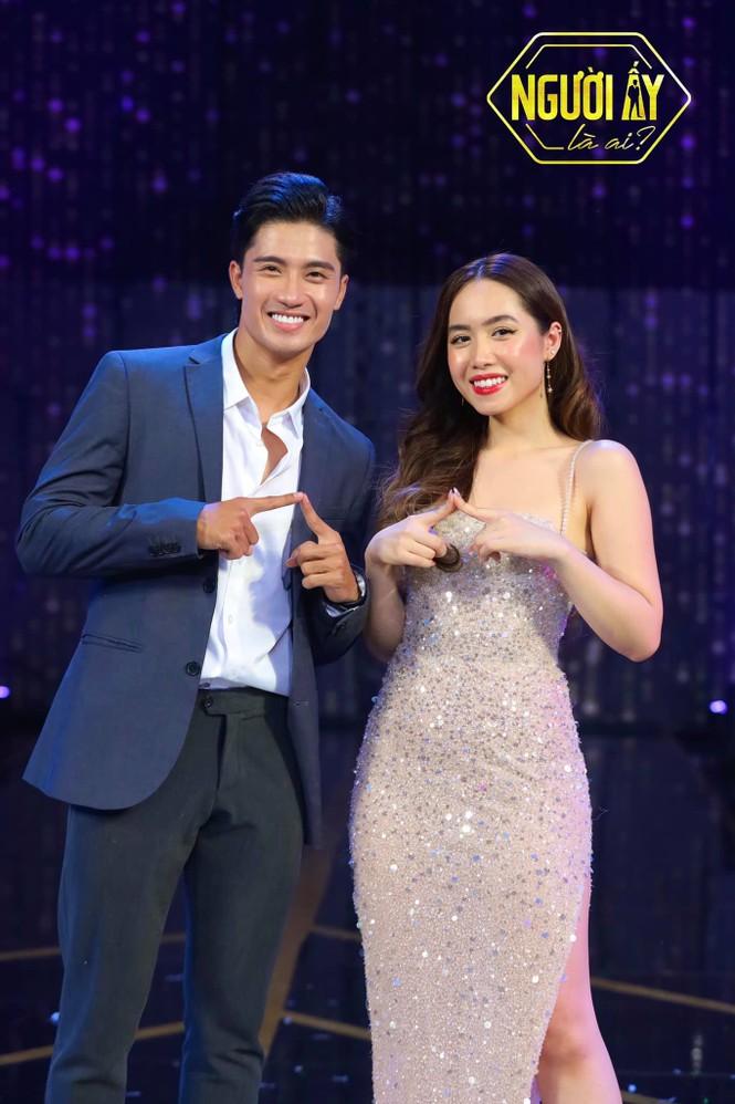 """Nữ chính Mina """"Người Ấy Là Ai"""" và trai đẹp Nguyễn Đạt nắm tay tình cảm,"""