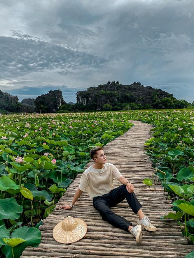 Ninh Bình sau dịch COVID-19: Đầm sen Hang Múa là điểm nhấn thu hút khách du lịch - ảnh 1